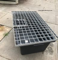 Rectangular Reservoir with Water Feature Grid 81cm x 51cm